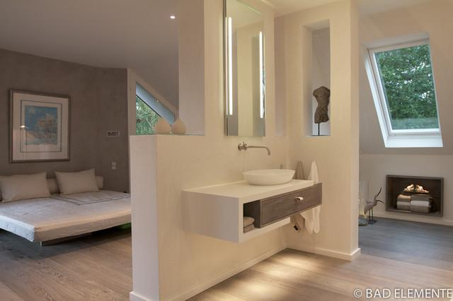 BAD und Schlafzimmer vereint - Modern - Badezimmer - Hamburg ...