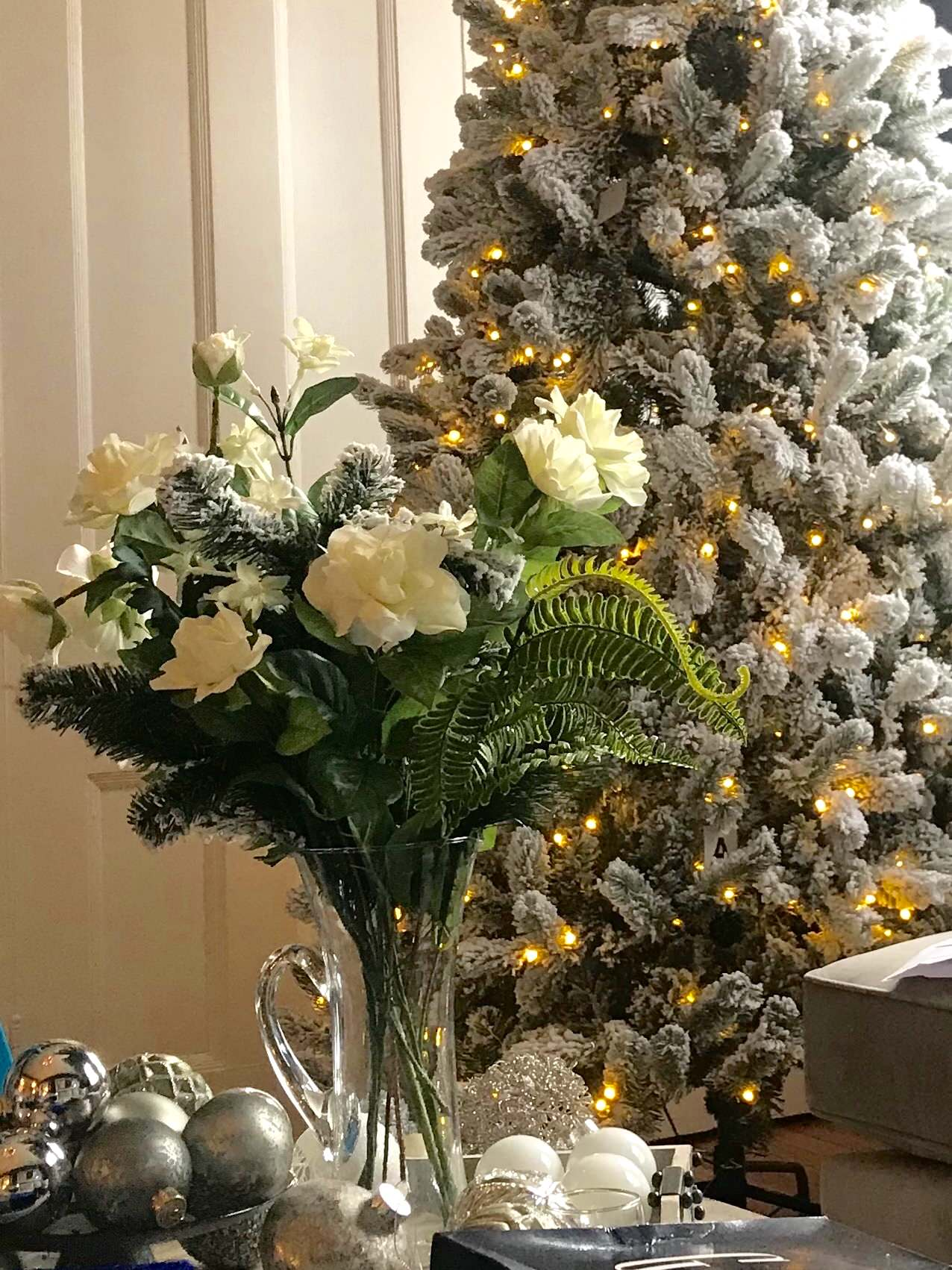 Danielle Brownell Holiday Decor