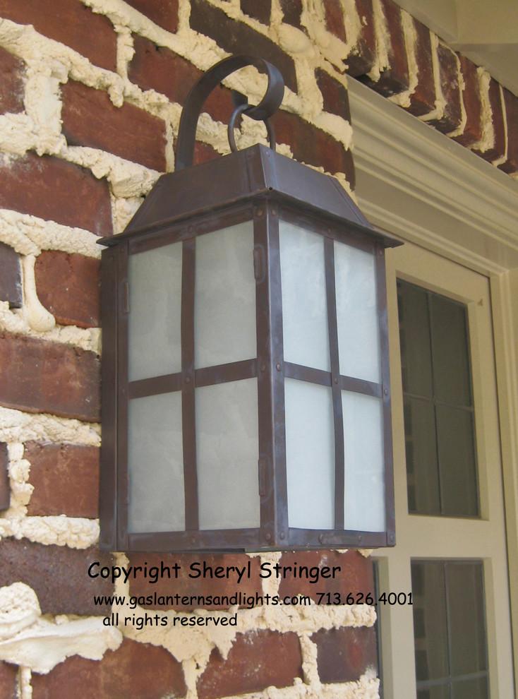 Cottage Lantern by Sheryl Stringer, www.gaslanternsandlights.com