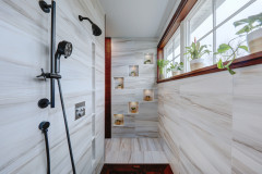 Bathroom of the Week: Japanese Spa Style for a Contemporary Look