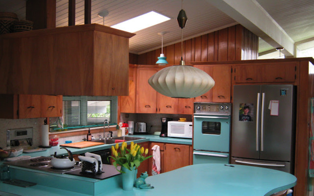 Atomic Ranch on modernist homes, dwell homes, cottage homes, atomic style homes, 1950s homes, modern homes, interior design homes,