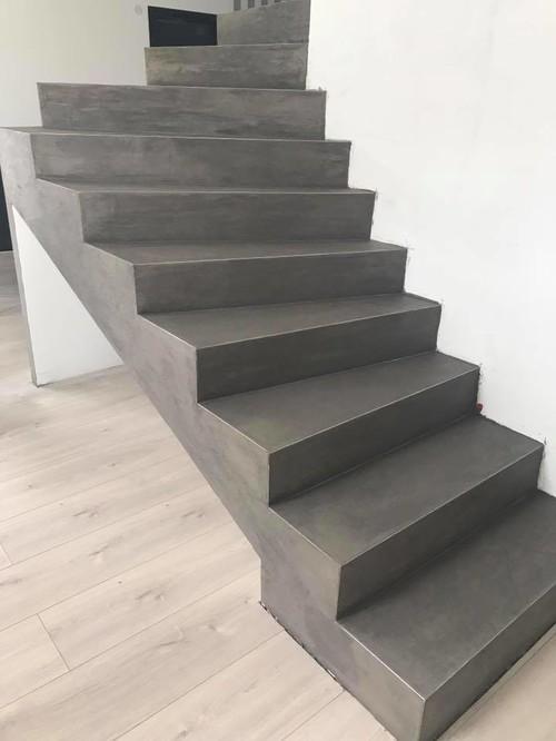 rev tement d 39 un escalier en micro b ton. Black Bedroom Furniture Sets. Home Design Ideas