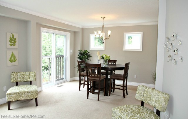 Small dining area staging traditional dining room for Small dining room area