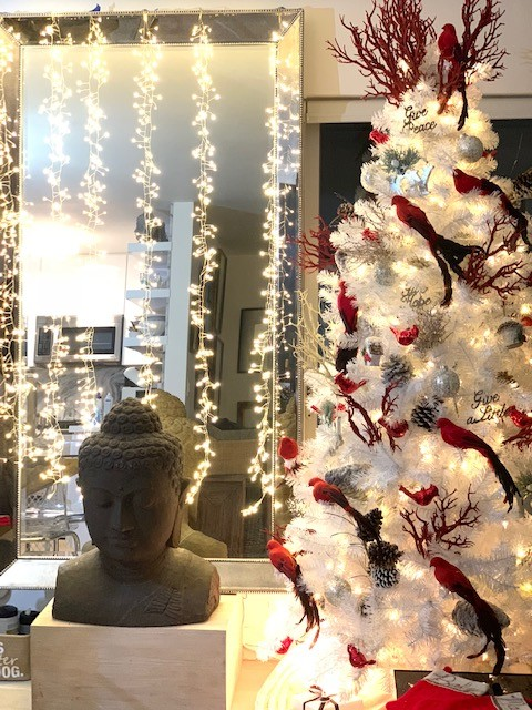 IDEAS FOR HOLIDAY DECORATIONS