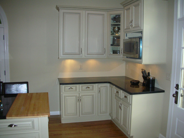 images white kitchen cabinets arlington white kitchen cabinets home design traditional 4646