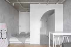 Houzz тур: 33 кв. м — студия с бетоном и полуаркой