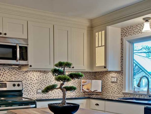 Need crown molding advice for white kitchen with shaker cabinets...