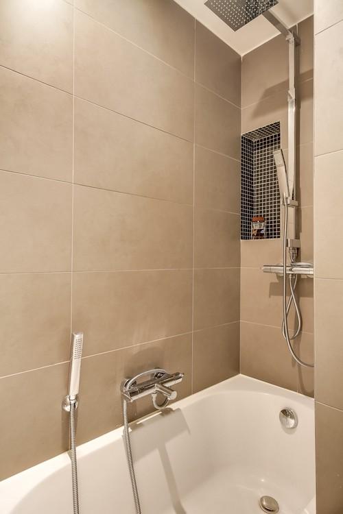avant apr s pour une salle de bain. Black Bedroom Furniture Sets. Home Design Ideas