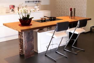kochinsel mit altholz und industrial design m nchen von mangostil manufaktur f r m bel lampen. Black Bedroom Furniture Sets. Home Design Ideas