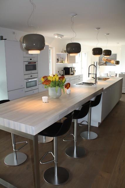 Küche Weiß Matt Glasfronten Next125 Schlicht Esche Modern