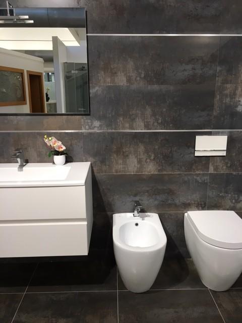 Piastrelle scure per il bagno - Idee mattonelle bagno ...