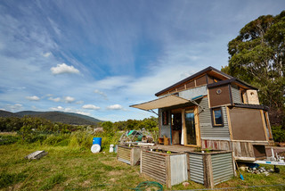 Tiny Houzz Tour: Living the Good Life on a Small Scale