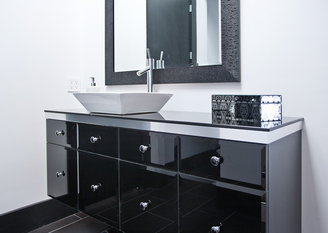 Minimal Modern Black And White Bathroom Remodel Modern Bathroom