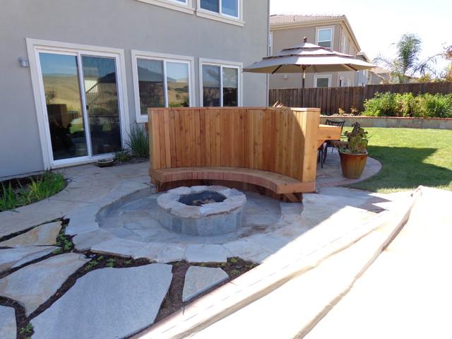 Benicia sunken firepit with windbreak bar contemporary for Garden windbreak designs