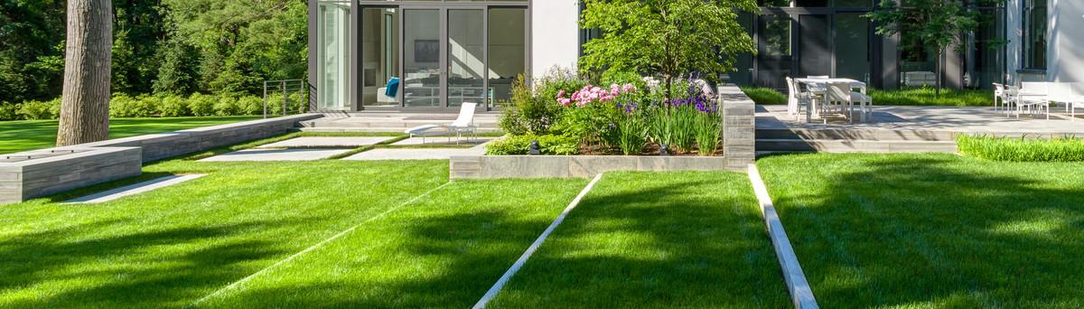 Flagstone yard ideas, landscape ideas side of house ... on Backyard Landscaping Companies Near Me id=90540