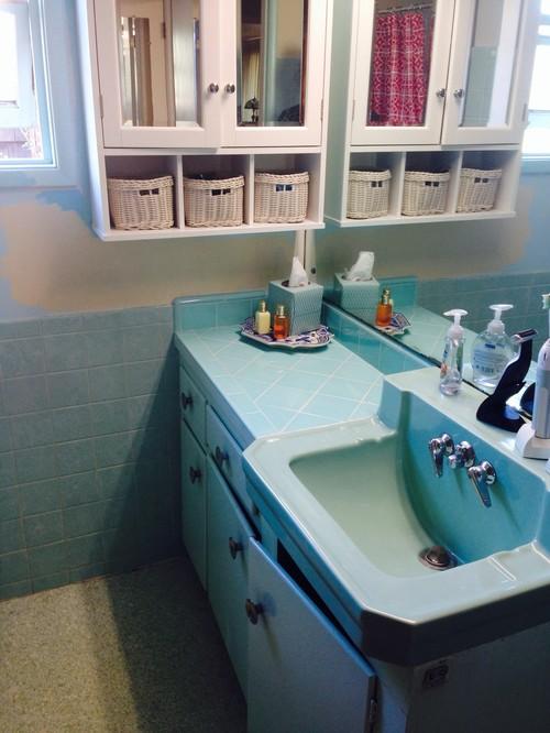 Nice Need Help Updating My Aqua Bathroom...too Much Aqua