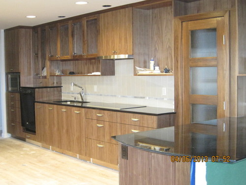 Owners Of Walnut Cabinets   Please Help Me With A Question