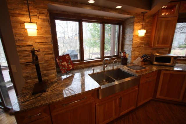 Bon Stacked Stone Backsplash Traditional Kitchen