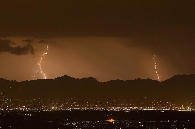 Lightning Bolt beyond Tucson Wallpaper Wall Mural, Self-Adhesive ...