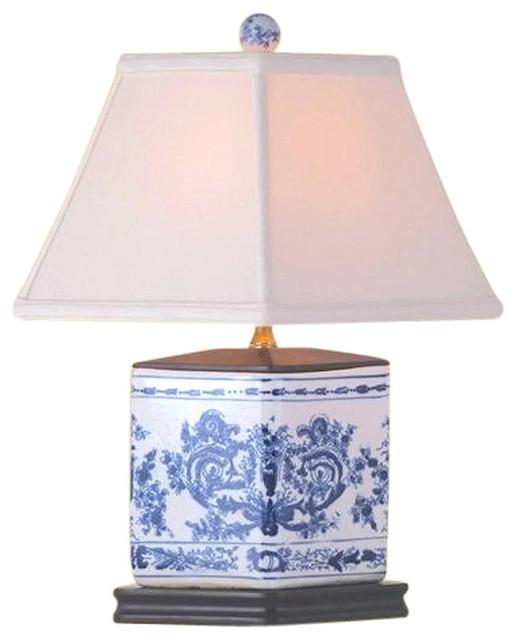 China Handmade 26-inch Blue And White Vase Lamp