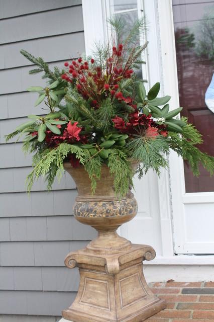 christmas urn