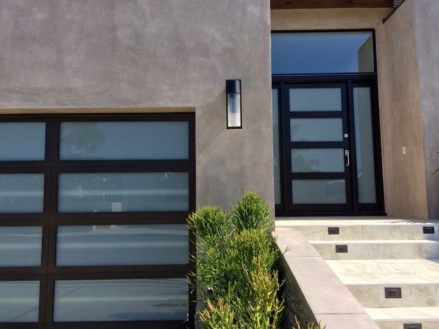 Matching Garage Door And Entry In Corona Del Mar California Modern