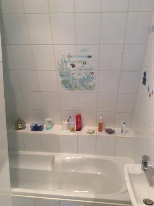 Relouquer ma salle de bain avec un petit budget for Peindre faience douche