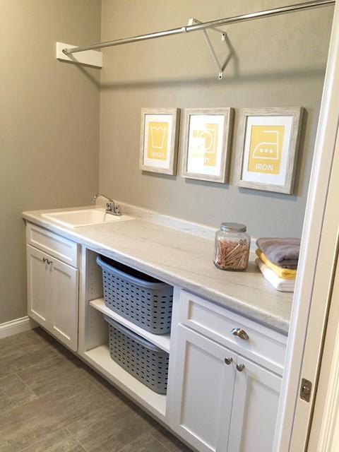 Amberwood - 2015 VHBA Summer Parade Home craftsman-laundry-room
