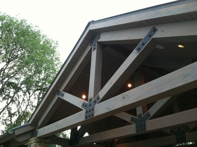 Metal plate trusses traditional dallas by associated for Timber trusses for sale