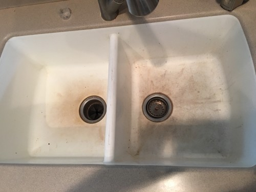 How to keep a silestone sink looking clean for Silestone kitchen sinks