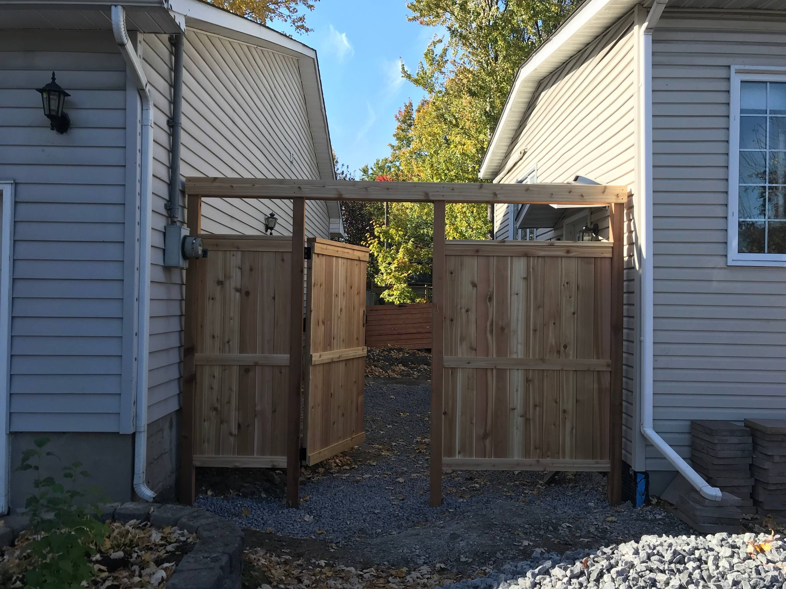 cedar fence and privacy screen