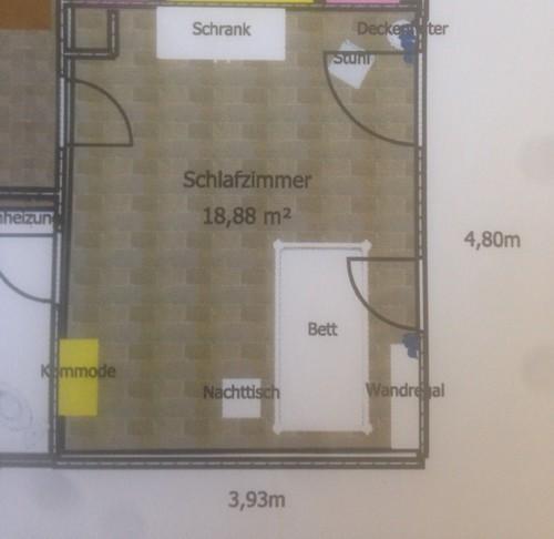 Raum Hat Ohne Schräge 15qm WFL, 2 Türen Nebeneinander (Bad/Flur),  Fensterseite Ist Osten, (leider Recht Dunkle) Schräge Süden.