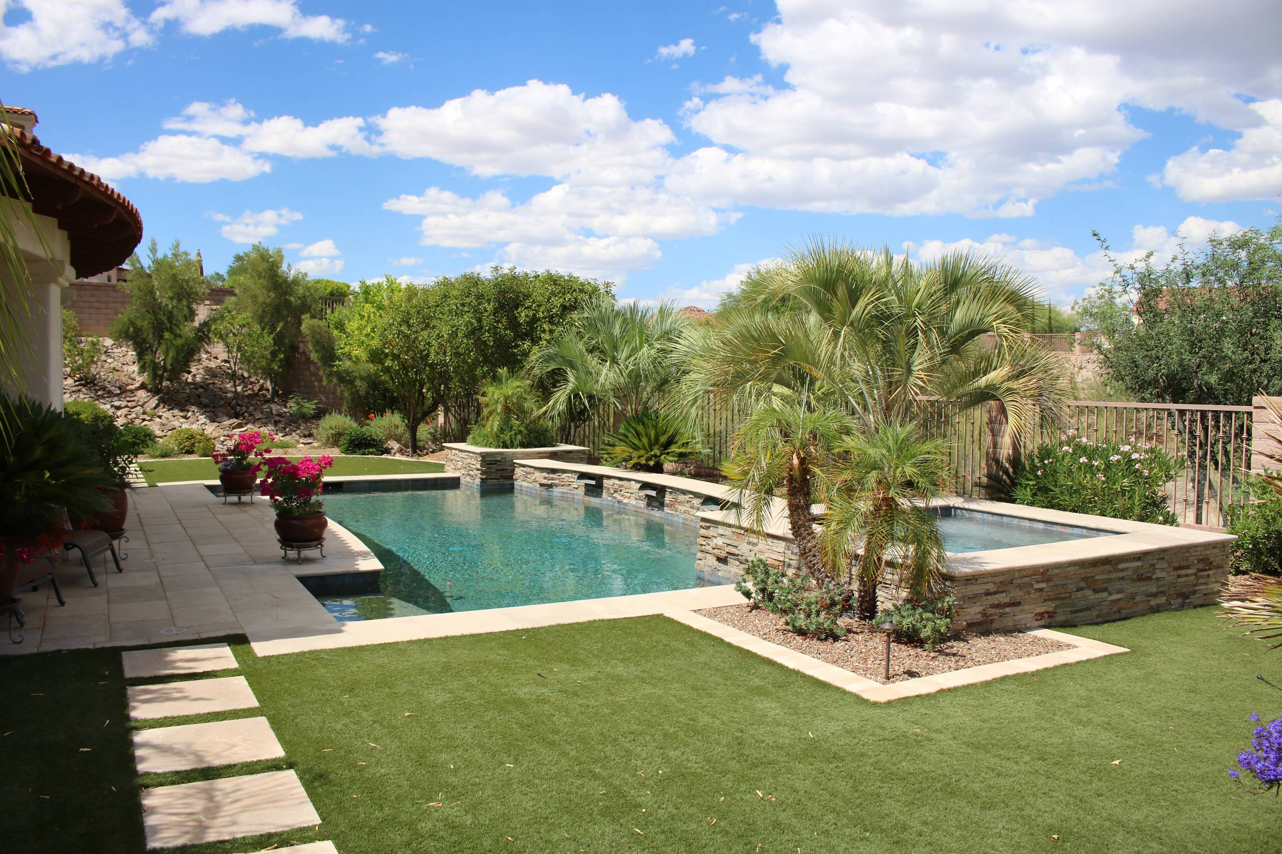 Example of a tuscan home design design in Phoenix