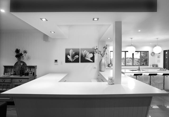 Contemporary Wellbeck Kitchen Bar