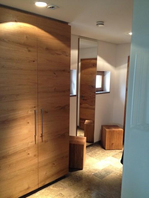 garderobe aus eiche massiv. Black Bedroom Furniture Sets. Home Design Ideas