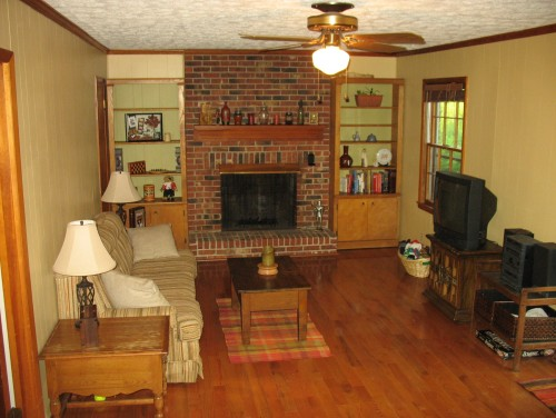 Decorating Around A Red Brick Fireplace