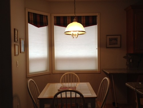 Kitchen Remodel Turned Breakfast Nook Lighting Off Center