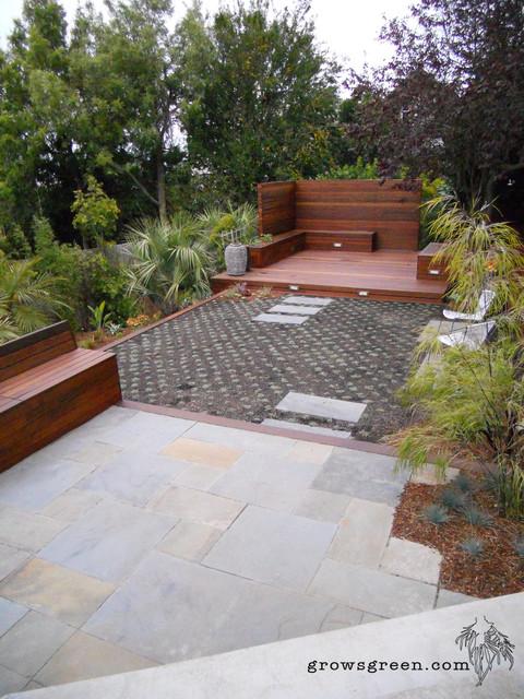 Modern Palm Garden