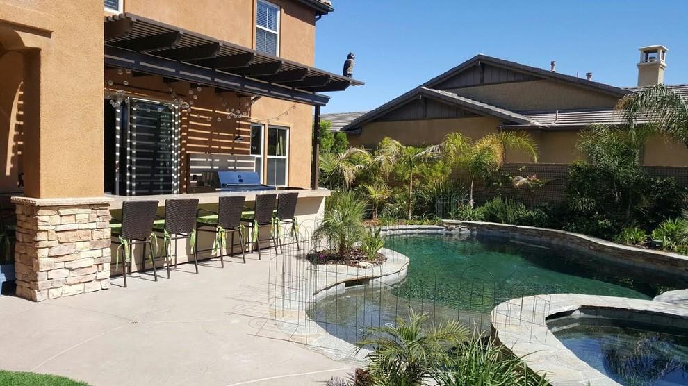 Tropical Rivera Backyard
