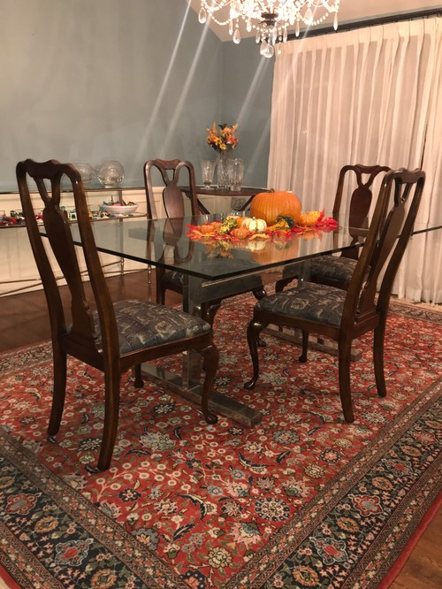 Persian Rug Can Be Moved To Another Room Seeing Plenty Of Queen Anne Tables With Contemporary Chairs But Not The Opposite Sadly