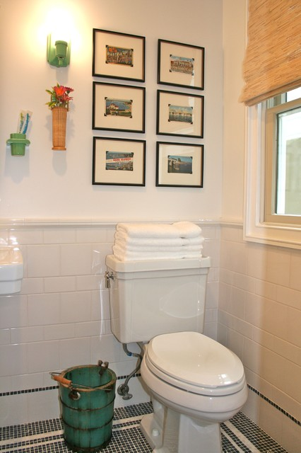 Fun vintage guest bath beach-style