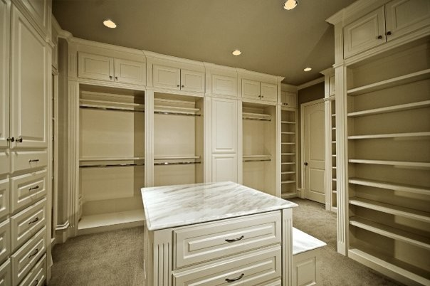 MICHAEL MOLTHAN LUXURY HOMES Traditional Dallas By MICHAEL - High end closet design