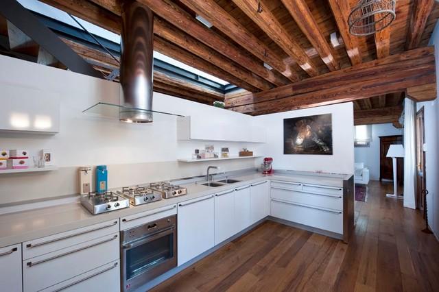 Cucina e arredo completo rustico - Modern - Kitchen - Venice - by ...