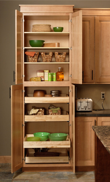Pantry Cabinet Traditional Minneapolis By Cliqstudios Cabinets