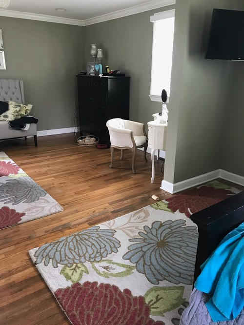 Is It Okay To Use A Round Rug And Rectangle Rug In One Room?