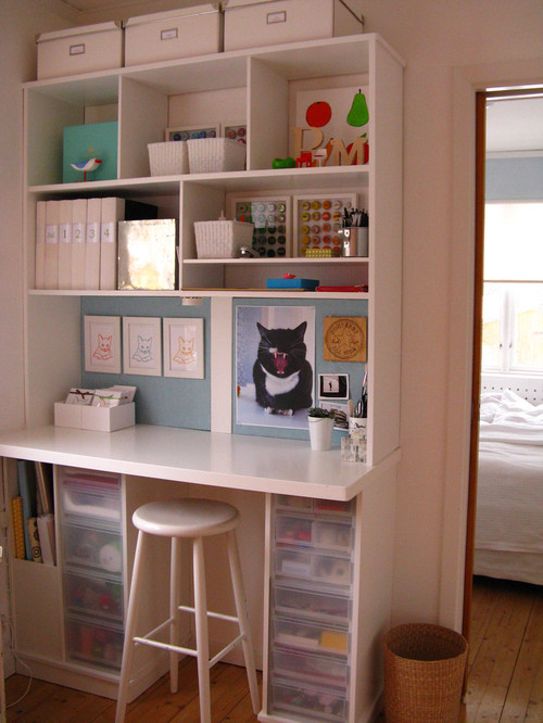 Small craft room ideas queen bee of honey dos for Small craft table with storage