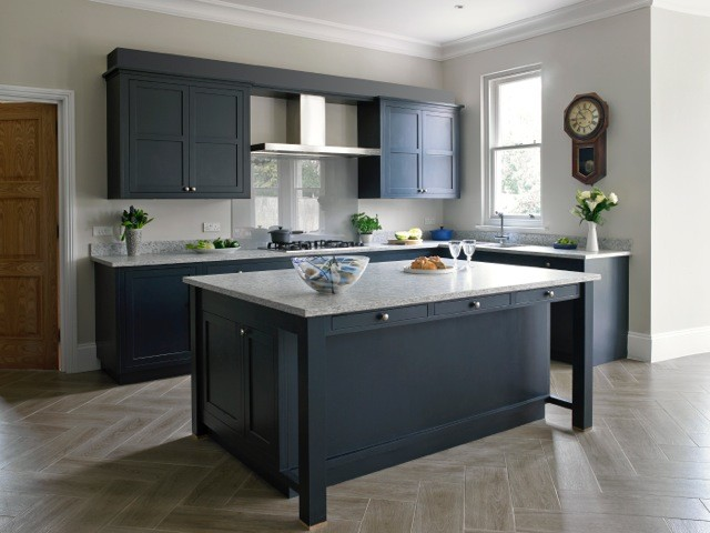 Thames ditton bespoke contemporary shaker kitchen for Contemporary shaker style kitchen