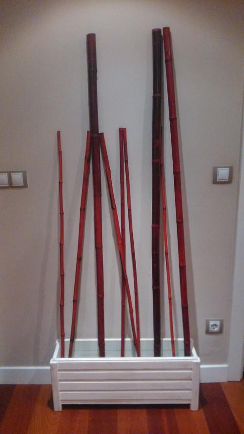 jardinera con palos de bambu