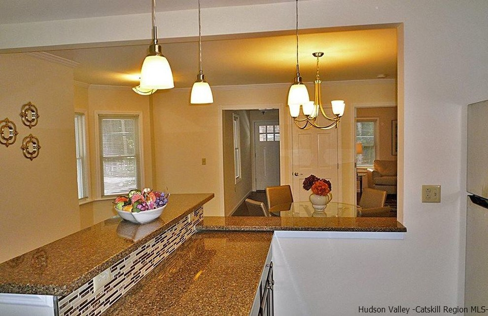Lake Hill Farmhouse Staging
