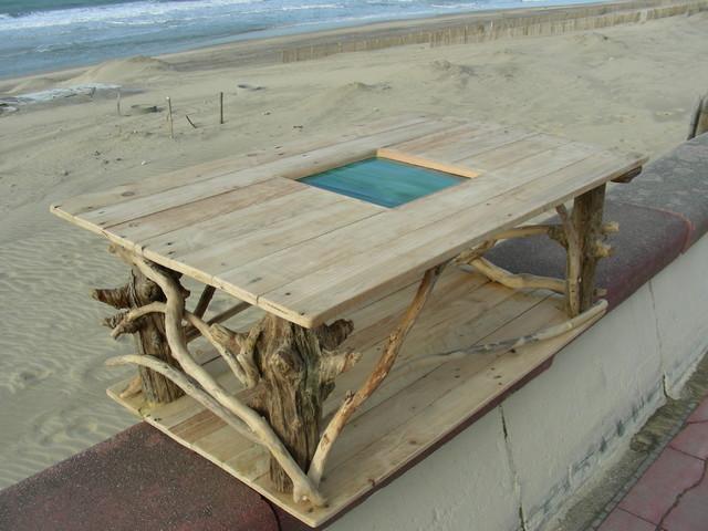Table basse en bois flott et bois de palette bord de mer bordeaux par - Creation en bois flotte ...